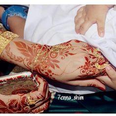 Eid Mehndi Designs, Mehndi Images, Henna Patterns, Jewelry Patterns, Arabian Mehndi Design, Mhendi Design, Flower Henna, Innocent Girl, Hand Mehndi