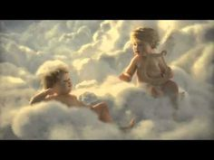 Jetzt wissen wir, warum einige Engel noch Zeit für Weihnachten haben. - YouTube