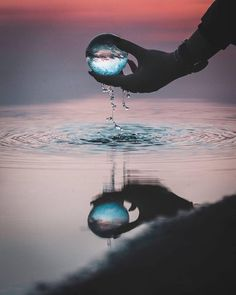 A reflection shows the true you by Glass Photography, Photography Photos, Creative Photography, Amazing Photography, Beauty Photography, Reflection Photos, Reflection Photography, Nature Pictures, Cool Pictures