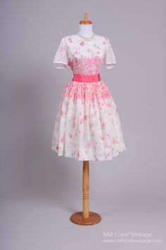 1950 Gloria Swanson Vintage Day Dress : Mill Crest Vintage