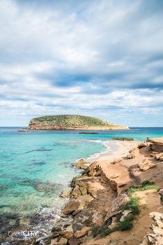 Ibiza Roadtrip - Cala Compte <3 http://littlecity.ch/ibiza-im-herbst-roadtrip-durch-die-insel-mit-dem-seat-ibiza/