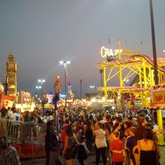 CNE 2015 lights, camera, CNE!! The rides are so lit up at night... what a great time!