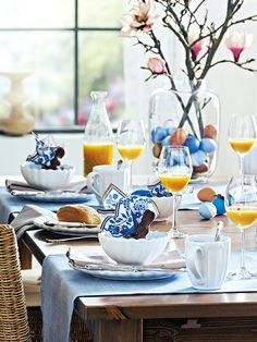 blue + white brunch table setting