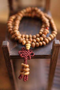 Bouddhiste en perles de prière/bois perle par oldmemory sur Etsy, $35.00