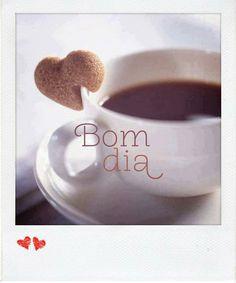 O segredo da felicidade está na simplicidade de ver a vida acontecer na alegria do outro! Bom dia! :)