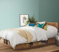 Vintage Fir Storage Bed #anthropologie #pintowin
