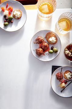 Healthy Christmas Appetizers: Whether you are hosting a holiday party or asked to bring a Christmas appetizer to the office potluck, these healthy options will be the perfect seasonal bite.