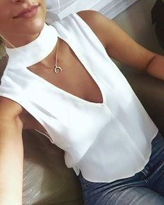 Sexy High Collar Slit Hollow Out Sleeveless Pure Colour Tops Trend Fashion, Fashion Outfits, Womens Fashion, Fashion Tips, Fashion Design, Boho Bluse, Casual Outfits, Summer Outfits, Diy Clothes