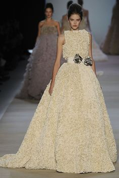 Pearl White Princess Gown by Giambattista Valli from his Spring 2009 collection