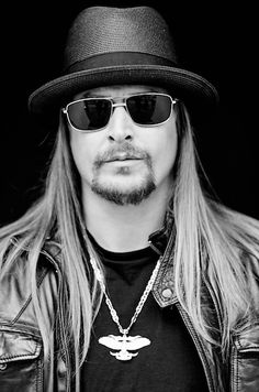 Charitybuzz | 2 Tickets to See Kid Rock on January 30 at the Exclusive Sold-Out Coors Light Birds Nest Pop-Up Party Before Super Bowl XLIX!
