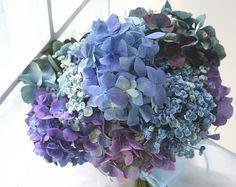 クラッチブーケ あじさいのセピアブルー : 一会 ウエディングの花