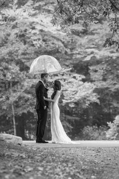 Rain. Photography: A Guy + A Girl Photography - aguyandagirlphotography.com/blog/  Read More: http://www.stylemepretty.com/2014/07/01/rustic-autumn-wedding-at-the-willowdale-estate/