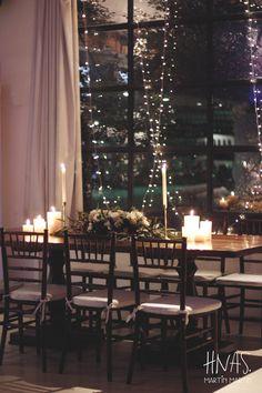 Madero Raill, Ambientación casamiento, flores, flowers, decor wedding, centro de mesa, centerpiece, mesa de madera, sillas tiffany de madera, wood