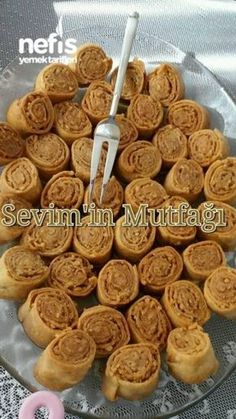 Rose Dessert with Walnut, Dessert recipes East Dessert Recipes, Köstliche Desserts, Delicious Desserts, Dinner Recipes, Yummy Food, Tasty, Yummy Recipes, Turkish Sweets, Turkish Recipes