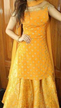 Party Wear Indian Dresses, Designer Party Wear Dresses, Indian Gowns Dresses, Indian Bridal Outfits, Kurti Designs Party Wear, Dress Indian Style, Indian Fashion Dresses, Lehenga Designs, Punjabi Fashion