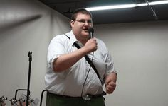 Peter Griffin Cosplayer Also A Perfect Peter Griffin Impersonator