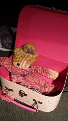 """Lappenpop uit het boek """"Gehaakte lappenpoppen"""" a la Sascha. Gemaakt door Henny R."""
