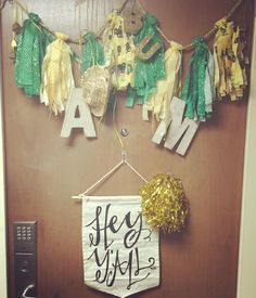 Baylor dorm door dec