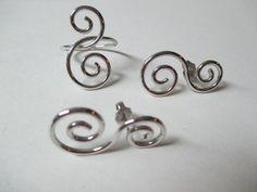 Avon Spun Swirls Silver tone Ring size 8 and Pierced earrings 1978 Mint Never worn