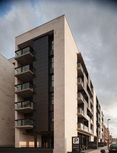 Imagen 3 de 14 de la galería de Edificio para 103 viviendas garajes y trasteros VPA / Ballina y Canal Arquitectos. Cortesía de Ballina y Canal