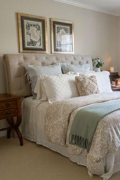 Rolled Tufted Headboard via Designthusiasm #Cozy #Bedroom #BedroomDecor #GuestReady