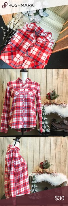 🔥FLASH SALE🔥 NWOT. Red, White, and Blue Flannel 🎄Red, white, and blue plaid button up 🎄2 pockets on front 🎄 Buttoned cuffs 🎄Pleated back 🎄VERY soft  🐘BUST: 39in 🐘SHOULDERS: 15in 🐘SLEEVES: 30in 🐘LENGTH: 25 1/2in 🐘100% Cotton  💋DISCLAIMER💋 - Reasonable offers accepted on items not marked 'price firm' - 15% off on bundles of 2 or more items - I do not discuss prices in the comments, but feel free to ask any other questions🙂 aerie Tops Button Down Shirts
