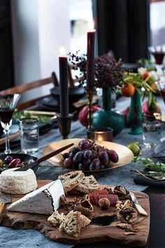 this tablescape is the perfect holiday inspiration, via @Refinery29