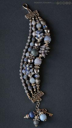 Jewelry Art, Jewelry Bracelets, Jewellery, Beaded Earrings, Beaded Jewelry, Magical Jewelry, Lesage, Bracelet Crafts, Handmade Jewelry Designs