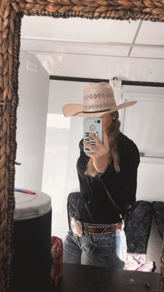 Country Western Outfits, Western Outfits Women, Country Style Outfits, Southern Outfits, Western Wear, Cute Cowgirl Outfits, Rodeo Outfits, Cute Casual Outfits, Simple Outfits