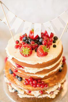 Sommerhochzeit in den Allgäuer Bergen Alexandra Sinz http://www.hochzeitswahn.de/inspirationen/sommerhochzeit-in-den-allgaeuer-bergen/ #wedding #mariage #cake