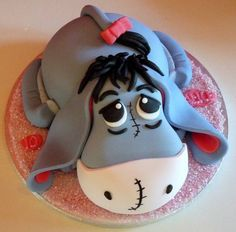 Eeyore Cake, so cute!!! Great for a little kids bday