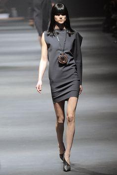 Lanvin Fall 2010 Ready-to-Wear Fashion Show - Jac