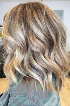 Balayage-Frisuren geben Ihnen den ultimativen neuen Look - Hair Style Balayage hairstyles to give you the ultimate new look - Medium Hair Super ideas for hair balayage highlights beach wavesTop 30 Stylish Dark Blonde Hair Color Ideas Dark Blonde Hair Color, Cool Hair Color, Teal Hair, Gold Blonde, Brown Hair, Neutral Blonde Hair, Natural Blonde Hair With Highlights, Blonde Highlights On Dark Hair Short, Blonde Highlights With Lowlights