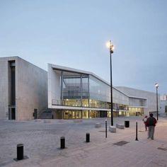 "Image 16 of 54 from gallery of ""La Cité des Loisirs"" / Photograph by Vincent Fillon Cultural Architecture, Museum Architecture, Commercial Architecture, Amazing Architecture, Contemporary Architecture, Architecture Details, Architecture Plan, Design Exterior, Facade Design"