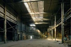 Billedresultat for industrial warehouse Abandoned Buildings, Abandoned Places, Abandoned Warehouse, Abandoned Factory, Industrial Revolution, Garage Organization, Organized Garage, Photos, Pictures