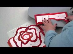 Discover how to machine appliqué in a whole new way! Rose Hughes' Fast-Piece Appliqué technique demonstrates how to use freezer paper for applique quilts that you can design on your own. Machine Applique, Hand Applique, Applique Patterns, Applique Quilts, Machine Quilting, Quilt Patterns, Applique Ideas, Free Motion Quilting, Quilting Tips
