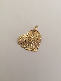 Heart shaped pendant in yellow 18k gold. di Meljewelry1908 su Etsy