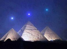 December 3rd, 2012 – Planets Align With Giza Pyramids For The 1st Time in 2,737 Years Planetary alignment that will take place Dec 3, 2012 is dead-on alignment with the Pyramids at Giza. Night Sky in Giza, Egypt on December 3, 2012, local time … one hour before sunrise compared with the Pyramids at Giza. ~  Planets inline: Mercury / Venus / Saturn    Don't Forget