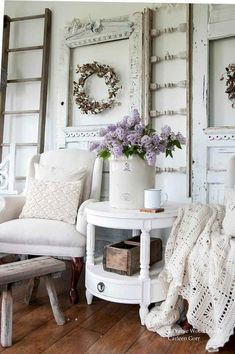 Awesome Shabby Chic Farmhouse Living Room Decor Ideas — Home Design Ideas Shabby Chic Decor Living Room, Shabby Chic Bedrooms, Shabby Chic Homes, Shabby Chic Furniture, Bedroom Decor, Cottage Furniture, Country Furniture, Bedroom Ideas, Romantic Shabby Chic