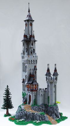 Farwin Castle by Brother Steven #LEGO #castle #tree
