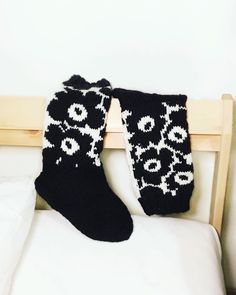 Wool Socks, Knitting Socks, Project Life Scrapbook, Marimekko, Mittens, Christmas Stockings, Knit Crochet, Projects To Try, Diy Crafts