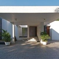 Atelier dnD have designed the Dinesh Mill Bungalow in Baroda, India