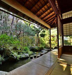 Modern Zen Garden – Home Decoration and Improvement Japanese Garden Style, Japanese Spa, Mini Zen Garden, Home And Garden, Zen Garden Design, Garden Design Plans, Traditional Japanese House, Spa Design, Design Ideas