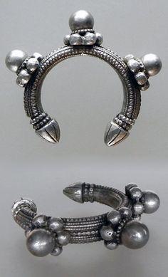 Yemen | Old 'desert rose' bracelet; silver toned mixed metal