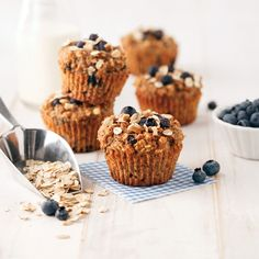 Pears and blueberries are the pair in this muffins recipe delicious health-at least 150 calories. Köstliche Desserts, Delicious Desserts, Yummy Food, Everyday Food, Muffin Recipes, Granola, Cake Pops, Nutella, Biscuits