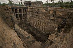 Indian Stepwell: Lakkundi Step-wells, Karnataka