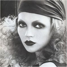 Kate Moss makeup by Kevyn Aucoin | 1930s | vintage |