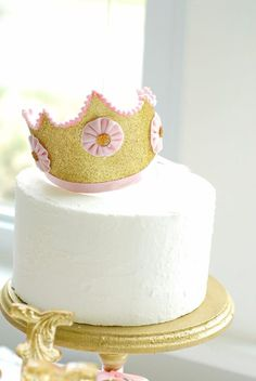 """Love this idea... i would add white sprinkles or something around the cake to give it """"shimmer"""""""