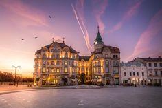Oradea Visit Romania, Louvre, Mansions, House Styles, Building, Travel, Home, Decor, Viajes