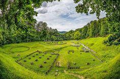Ancient Pagan Temple, Sarmisegetuza Regia, Romania photo on Sunsurfer Romania Facts, Hoia Baciu Forest, Famous Legends, Medieval Town, Imagines, The Rock, Pagan, Adventure Travel, The Good Place